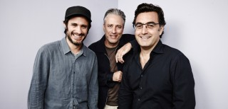 "Gael García Bernal, Jon Stewart and Maziar Bahari promoting ""Rosewater"" in 2014"